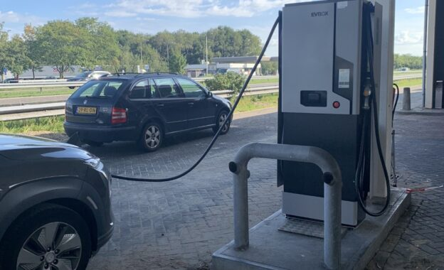 Esso_Bergen op Zoom_Charge image 7